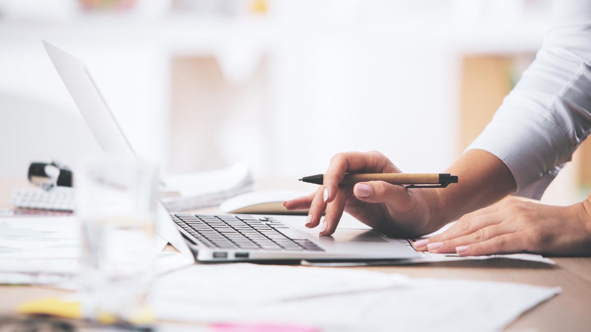Best laptops under $300 in 2021
